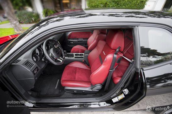Dodge Challenger 2015 салон